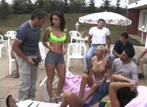 Salvadorian girl maria fucks